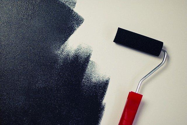 malování na černo